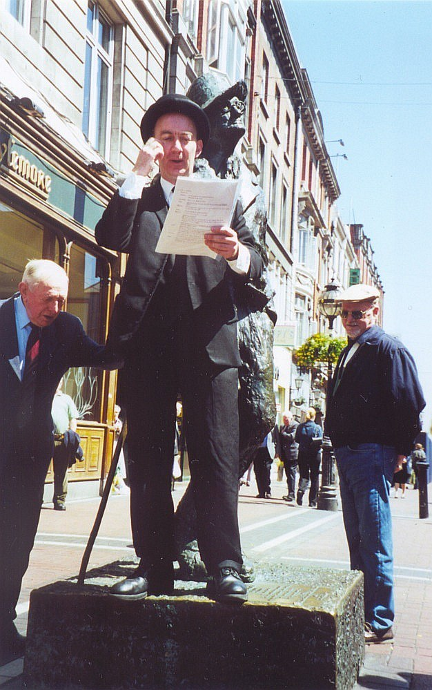 Bloomsday_in_Dublin_2000_jav_