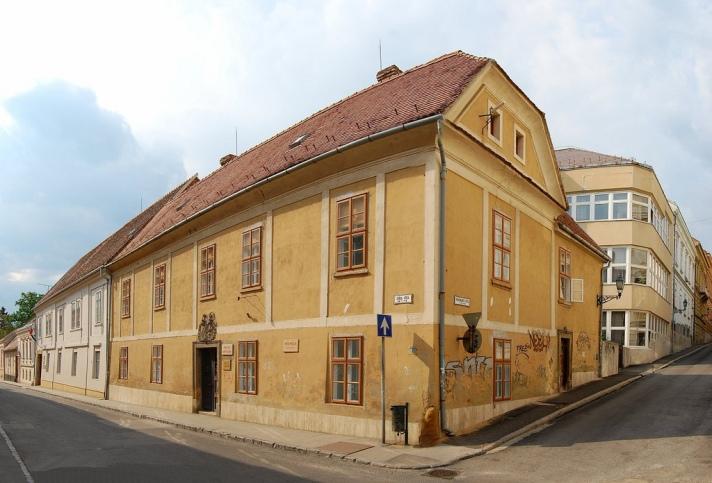 Baranya Megyei Könyvtár