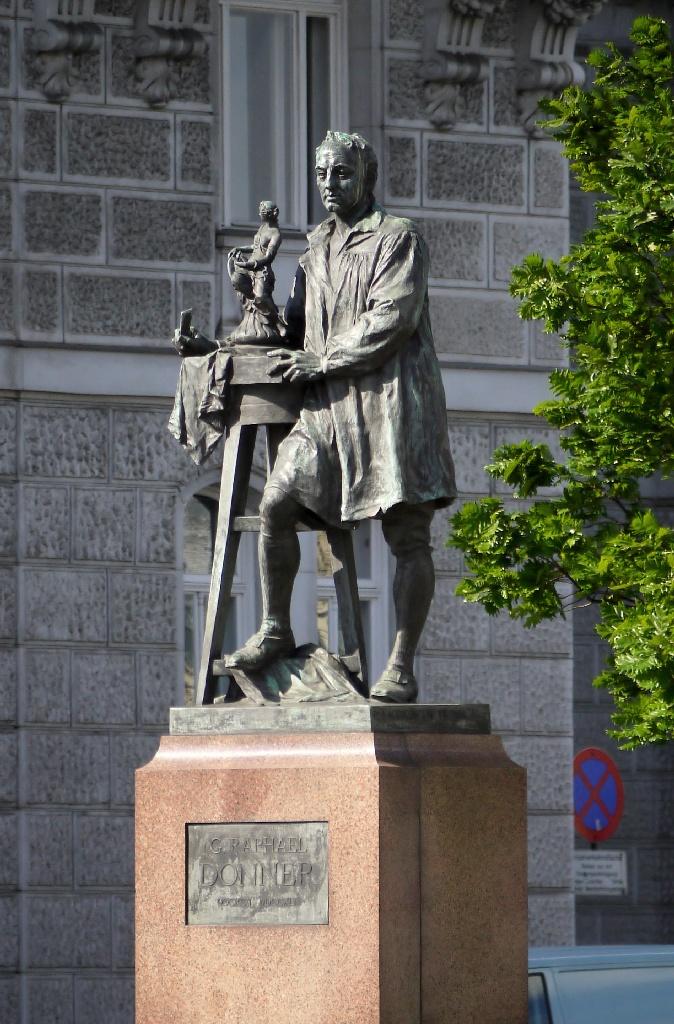 Schwarzenbergplatz_Donner_Denkmal