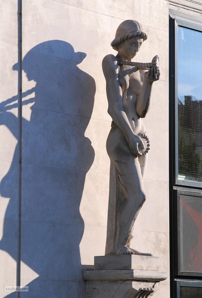 Újra — Rétfalvi Sándor budapesti épületszobrairól